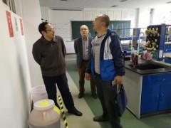 环保局开展大专院校实验室危险废物规范化管理督查考核工作